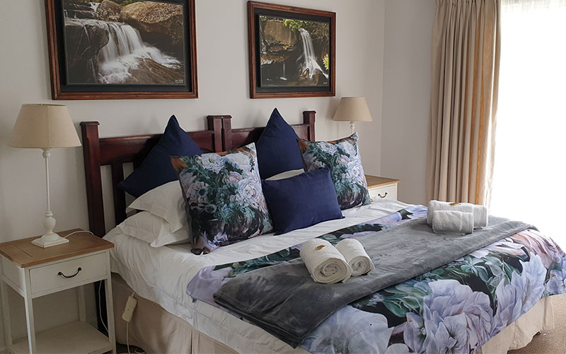 Ash-River-Lodge-Room4-main-2020