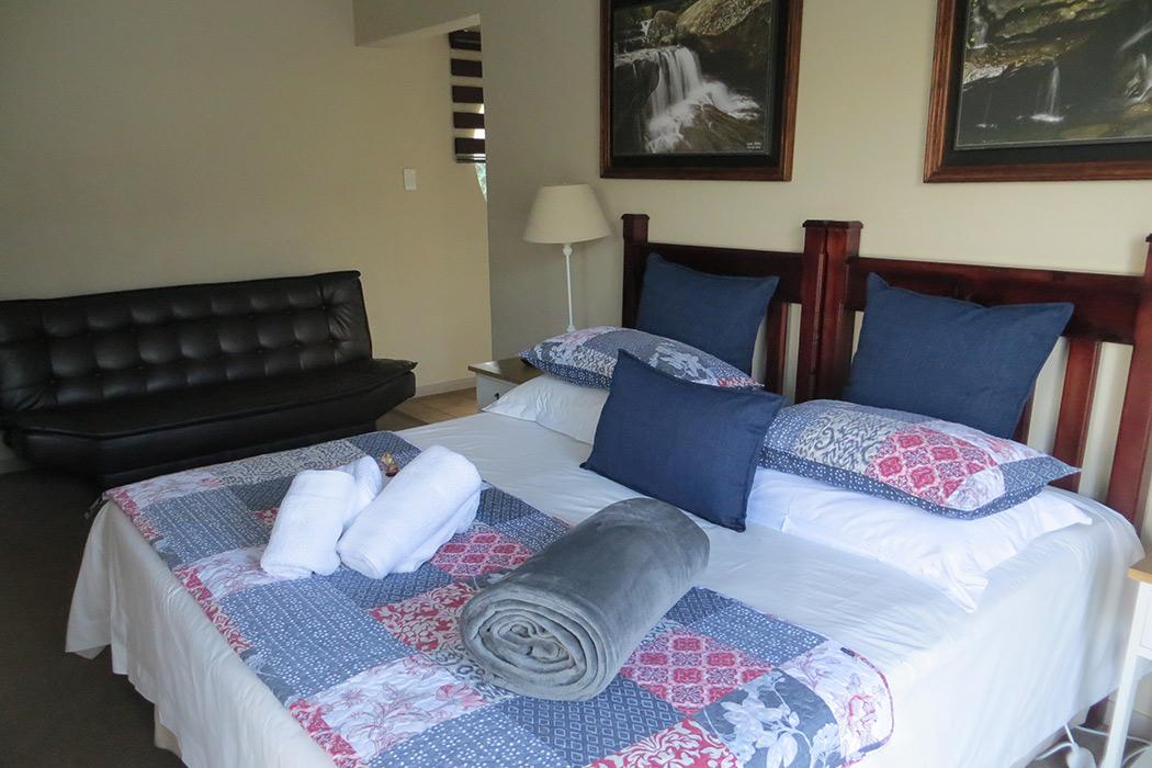 Ash-River-Lodge-Room4