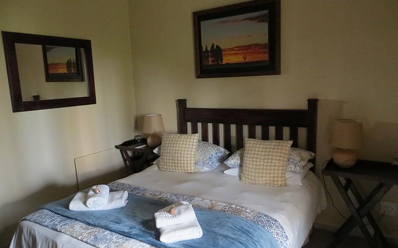 Ash-River-Lodge-Room8-main