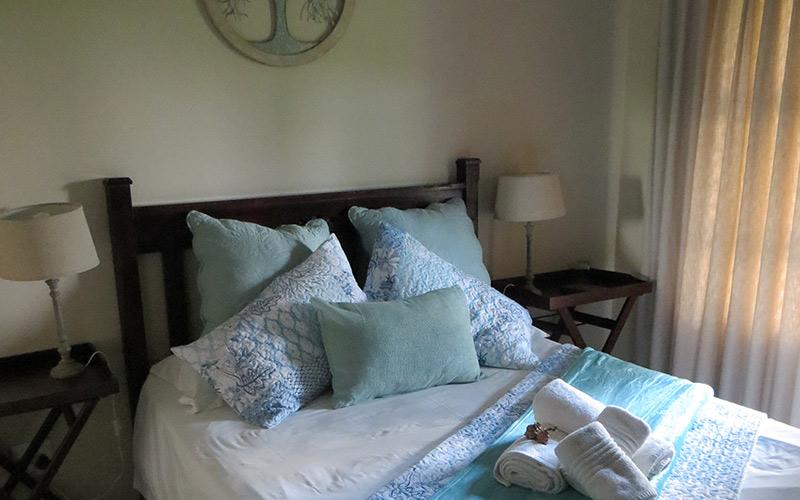 Ash-River-Lodge-Room9-main