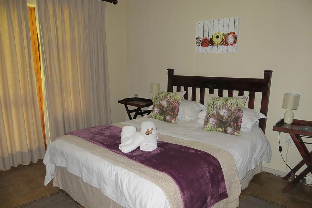 Ash-River-Lodge-Room6